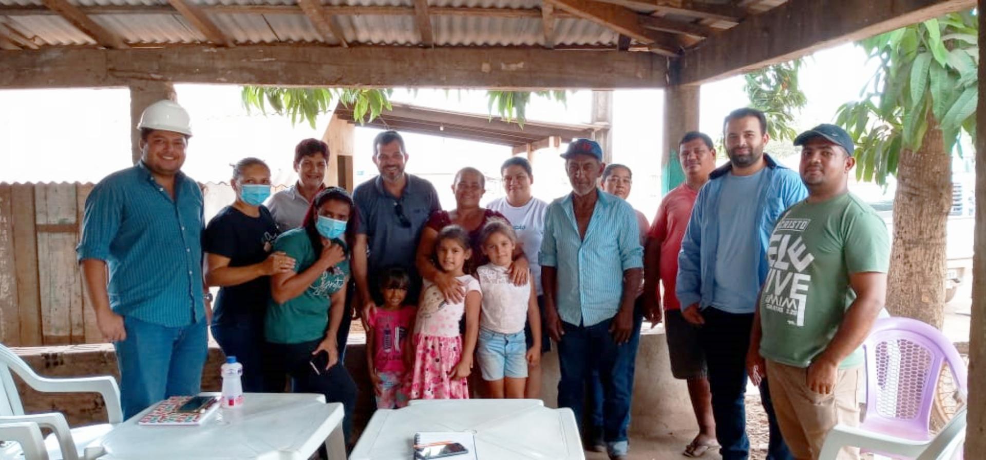 Equipe RMB e a comunidade da vila do Alto Bonito